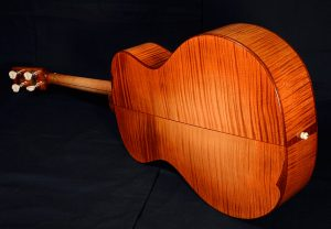 Tenor no 19 in shaded sugar maple
